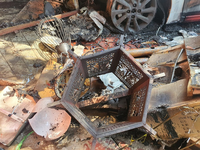 Ảnh: Hiện trường kinh hoàng vụ cháy nhà khiến cả gia đình 4 người chết thảm - Ảnh 11.