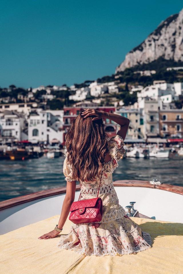 Choáng ngợp Capri – hòn đảo không Covid-19 ở châu Âu, điểm nghỉ dưỡng siêu cao cấp của người giàu trời Tây - Ảnh 3.
