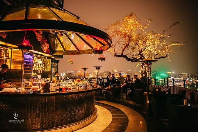 Mê mẩn ngắm 4 khách sạn trong khu phố cổ Hà Nội được hàng triệu du khách bình chọn là nơi có tầng thượng đẹp nhất thế giới - Ảnh 3.