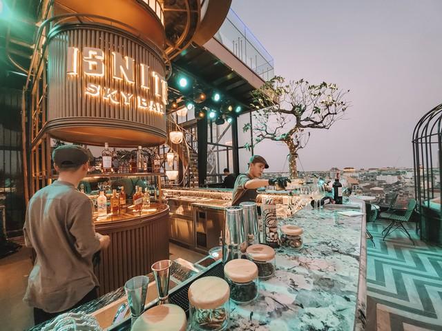 Mê mẩn ngắm 4 khách sạn trong khu phố cổ Hà Nội được hàng triệu du khách bình chọn là nơi có tầng thượng đẹp nhất thế giới - Ảnh 5.