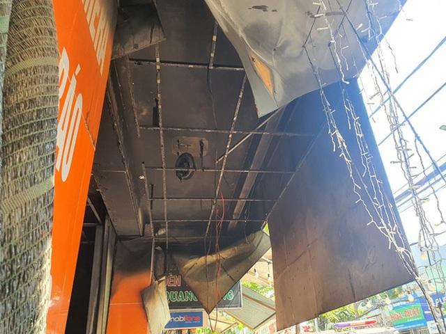 Ảnh: Hiện trường kinh hoàng vụ cháy nhà khiến cả gia đình 4 người chết thảm - Ảnh 10.