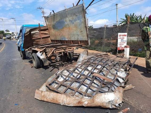 Xe tải đâm liên hoàn ở Đắk Lắk, ít nhất 6 người thương vong  - Ảnh 2.