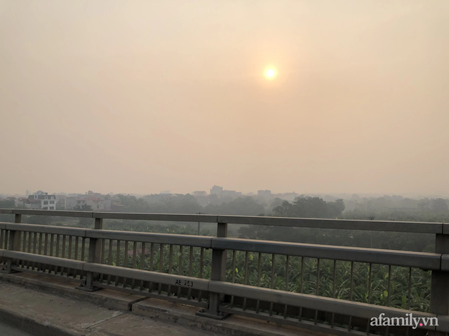 Chuyên gia tiết lộ nguyên nhân vì sao bầu trời Hà Nội bỗng dưng mù mịt, lên đỉnh thế giới về ô nhiễm không khí - Ảnh 3.