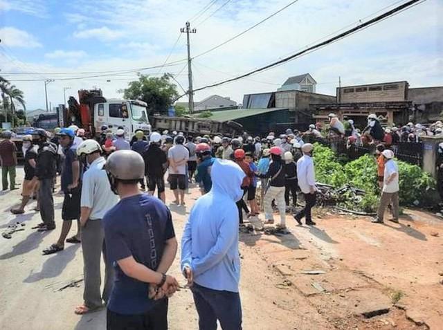 Xe tải đâm liên hoàn ở Đắk Lắk, ít nhất 6 người thương vong  - Ảnh 3.