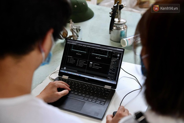 Ảnh: Sau hơn 100 giờ thai nghén, buồng lấy mẫu xét nghiệm kín, gắn điều hoà đã được chuyển tới tâm dịch Bắc Giang - Ảnh 6.