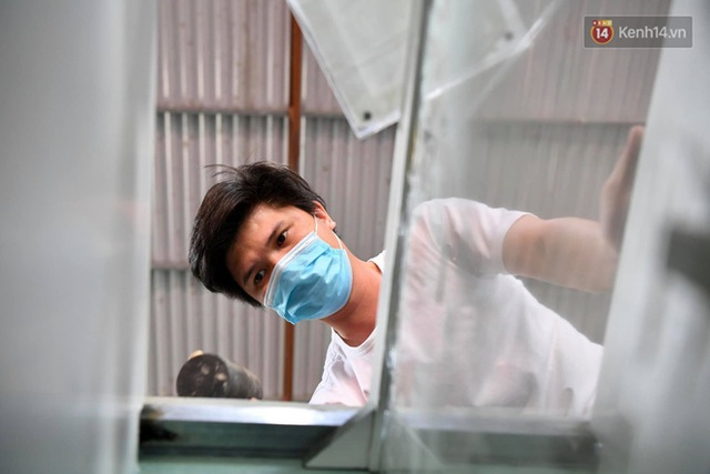 Ảnh: Sau hơn 100 giờ thai nghén, buồng lấy mẫu xét nghiệm kín, gắn điều hoà đã được chuyển tới tâm dịch Bắc Giang - Ảnh 7.