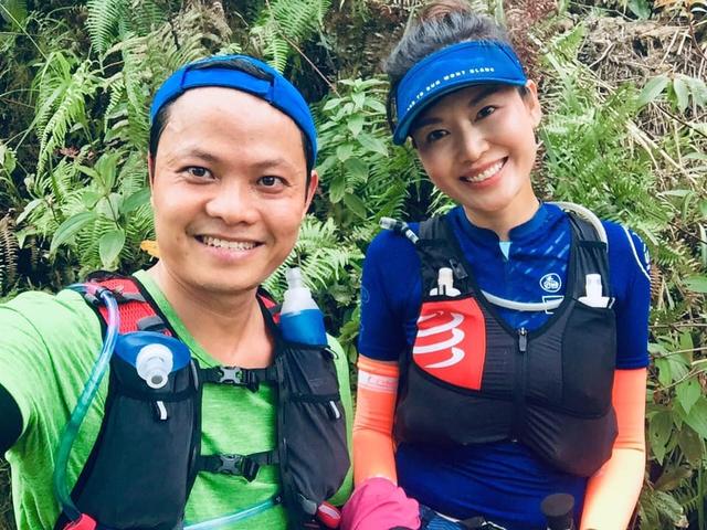 Hình ảnh truyền cảm hứng của Hoa hậu Thu Thủy khiến người hâm mộ càng thêm thương tiếc: Nụ cười tươi rói của runner xinh đẹp, yêu thiền, yoga và cực thích đọc sách - Ảnh 5.