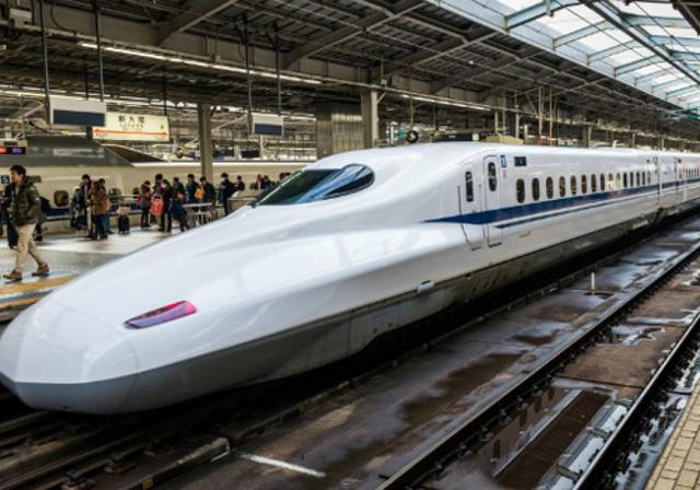 Đường sắt tốc độ cao sẽ ưu tiên làm trước 2 đoạn Hà Nội-Vinh và Nha Trang-TP.HCM?  - Ảnh 1.