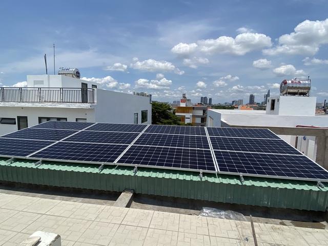 Nhu cầu lắp đặt điện mặt trời áp mái ở Việt Nam vẫn sẽ mạnh mẽ, dù có giá FIT hay không - Ảnh 1.