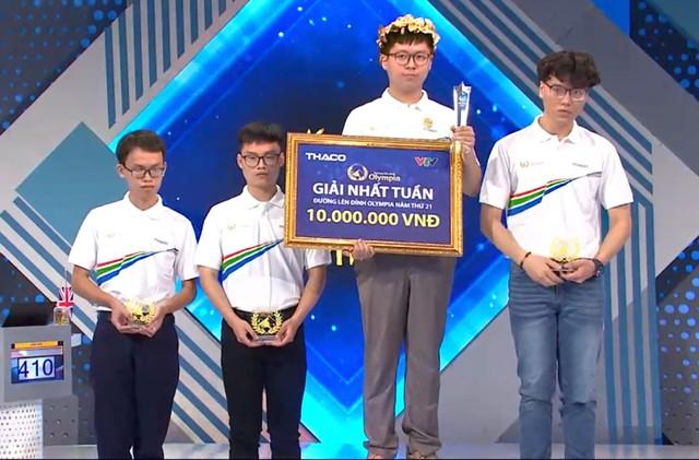 Nam sinh Hà Nội xác lập kỷ lục 21 năm của Đường Lên Đỉnh Olympia: Thành tích học tập đáng nể, đích thị là con nhà người ta - Ảnh 2.