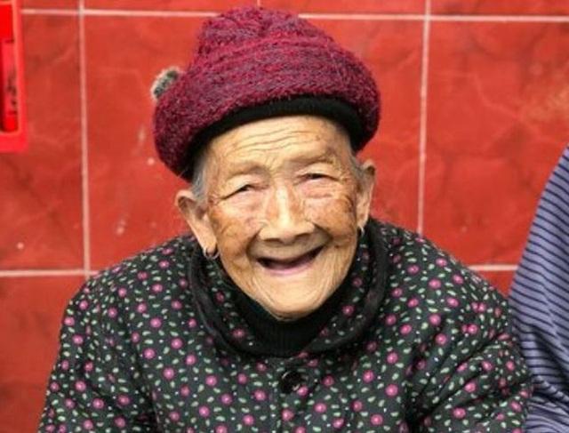 Cụ bà 108 tuổi mà hệ xương chỉ như của người 50 tuổi, bí quyết trường thọ nằm ở 3 điểm này - Ảnh 1.