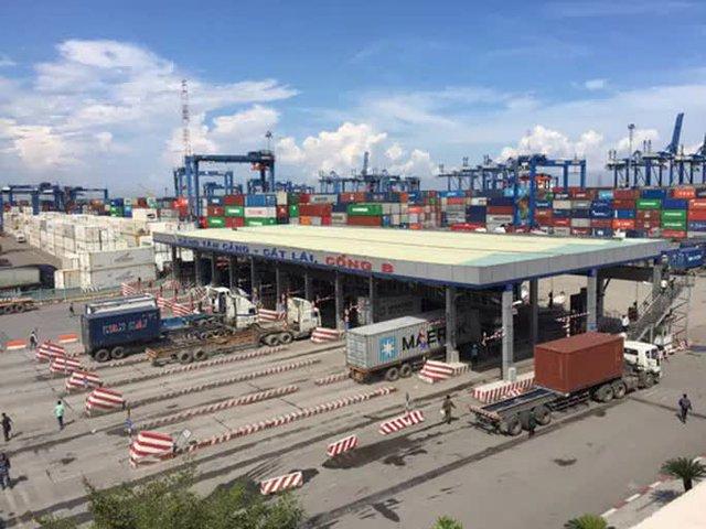 TP HCM sắp có thêm 3.000 tỉ đồng từ việc thu phí hạ tầng cảng biển - Ảnh 1.