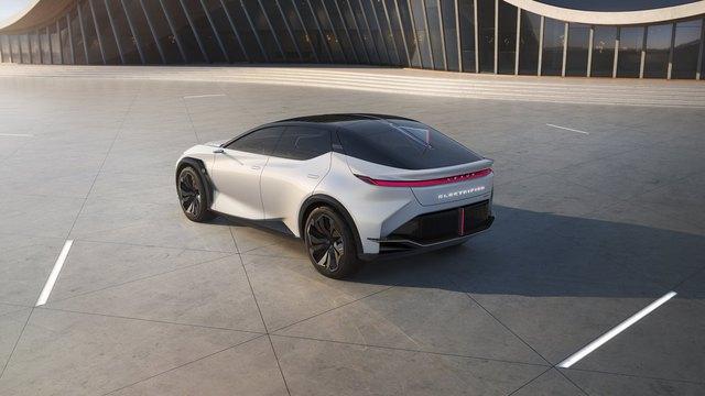 SUV đỉnh cao của Lexus sẽ hoàn chỉnh, ra mắt trong 14 tháng tới, đấu cả loạt xe đầu bảng của Mercedes-Benz, Porsche hay Audi - Ảnh 2.