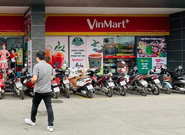 Phúc Long xuất hiện lần đầu tiên ở VinMart Hà Nội, khách đi siêu thị mua luôn trà sữa - Ảnh 1.