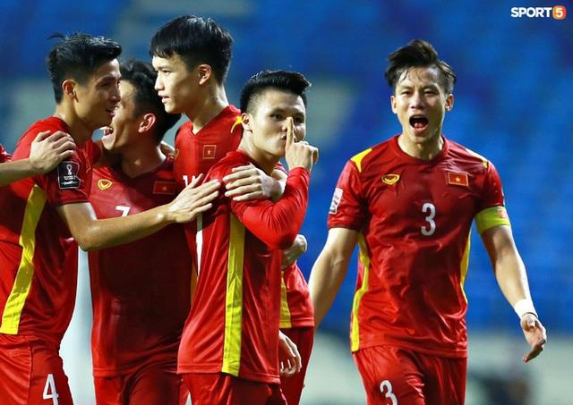 Những màn ăn mừng đầy kiêu hãnh của ĐT Việt Nam trong trận vùi dập Indonesia  - Ảnh 4.