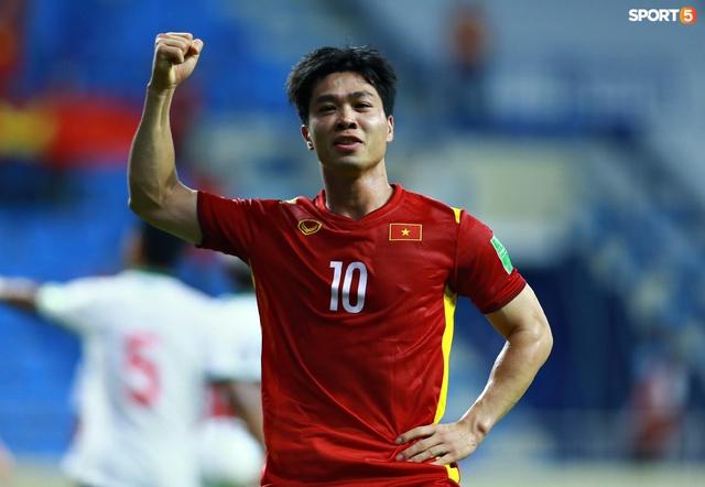 Những màn ăn mừng đầy kiêu hãnh của ĐT Việt Nam trong trận vùi dập Indonesia  - Ảnh 6.