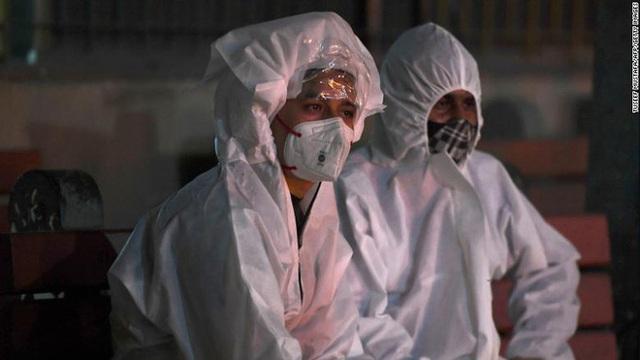 Ấn Độ trong những ngày tăm tối nhất: Phóng viên CNN chia sẻ những gì tận mắt chứng kiến về địa ngục Covid giữa làn sóng dịch bệnh thứ 2 - Ảnh 8.
