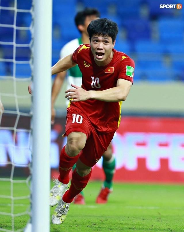 Những màn ăn mừng đầy kiêu hãnh của ĐT Việt Nam trong trận vùi dập Indonesia  - Ảnh 9.