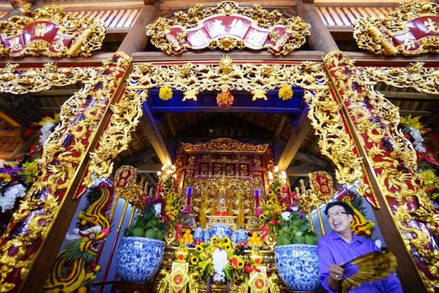 Về thăm Đền thờ Tổ nghiệp của NS Hoài Linh sau loạt lùm xùm từ thiện: Camera bố trí dày đặc, hàng xóm kể không bao giờ thấy mặt - Ảnh 1.