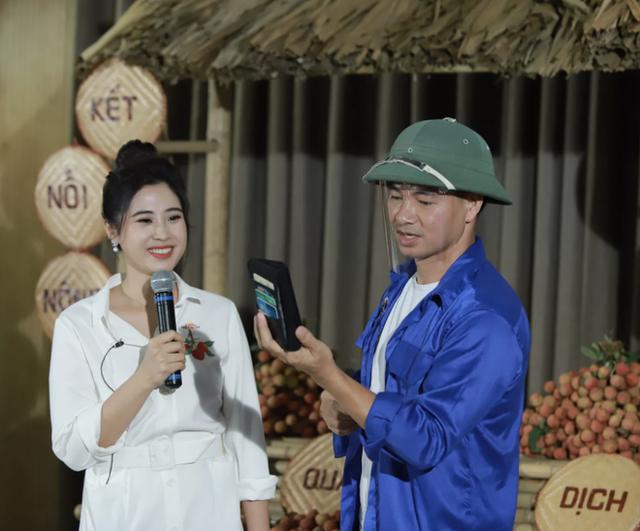 Xuân Bắc chốt 5000 đơn với 85 tấn hàng, chị Nguyệt thảo mai và dàn sao Vbiz nao nức nhập cuộc livestream giải cứu nông sản mùa dịch - Ảnh 1.