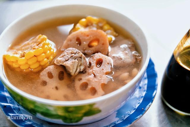 Cơm thố 73 năm lưu truyền của một gia đình, nay trở thành món cơm khó tìm với cách ăn chồng núi độc lạ còn sót lại tại Sài Gòn - Ảnh 18.