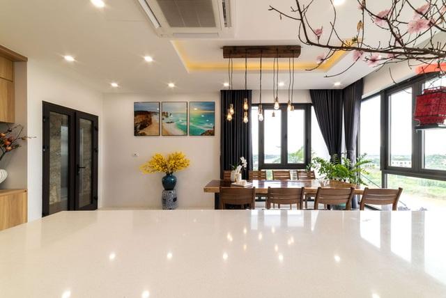 Căn nhà 5 tầng của vợ chồng Bát Tràng, thiết kế 3 ban công xanh nhưng vẫn đầu tư hẳn 400 triệu cho sân thượng 160m2  - Ảnh 18.
