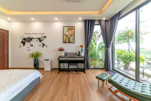 Căn nhà 5 tầng của vợ chồng Bát Tràng, thiết kế 3 ban công xanh nhưng vẫn đầu tư hẳn 400 triệu cho sân thượng 160m2  - Ảnh 19.
