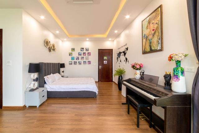 Căn nhà 5 tầng của vợ chồng Bát Tràng, thiết kế 3 ban công xanh nhưng vẫn đầu tư hẳn 400 triệu cho sân thượng 160m2  - Ảnh 20.