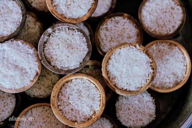 Cơm thố 73 năm lưu truyền của một gia đình, nay trở thành món cơm khó tìm với cách ăn chồng núi độc lạ còn sót lại tại Sài Gòn - Ảnh 3.