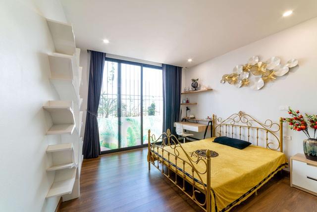Căn nhà 5 tầng của vợ chồng Bát Tràng, thiết kế 3 ban công xanh nhưng vẫn đầu tư hẳn 400 triệu cho sân thượng 160m2  - Ảnh 26.