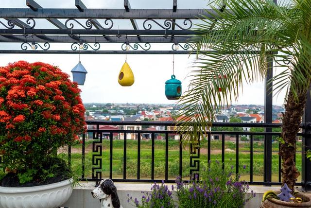 Căn nhà 5 tầng của vợ chồng Bát Tràng, thiết kế 3 ban công xanh nhưng vẫn đầu tư hẳn 400 triệu cho sân thượng 160m2  - Ảnh 30.