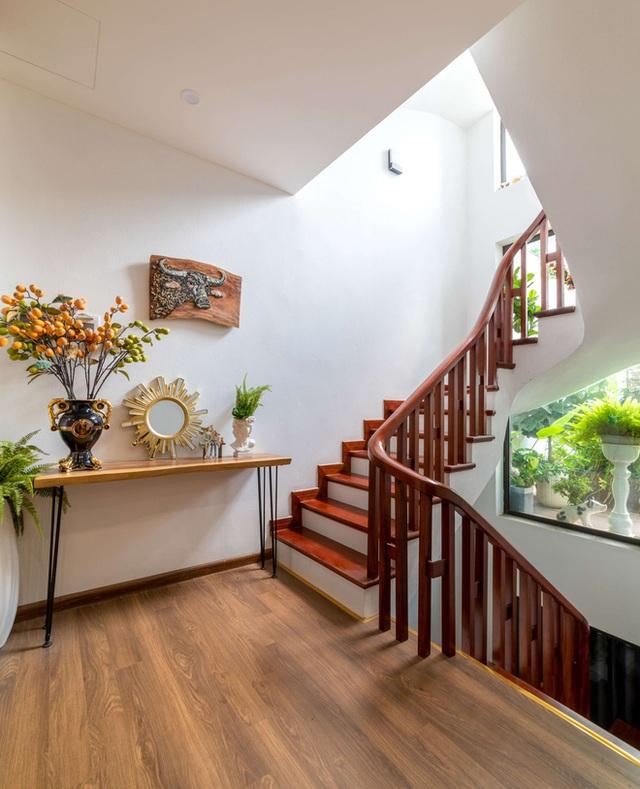 Căn nhà 5 tầng của vợ chồng Bát Tràng, thiết kế 3 ban công xanh nhưng vẫn đầu tư hẳn 400 triệu cho sân thượng 160m2  - Ảnh 37.