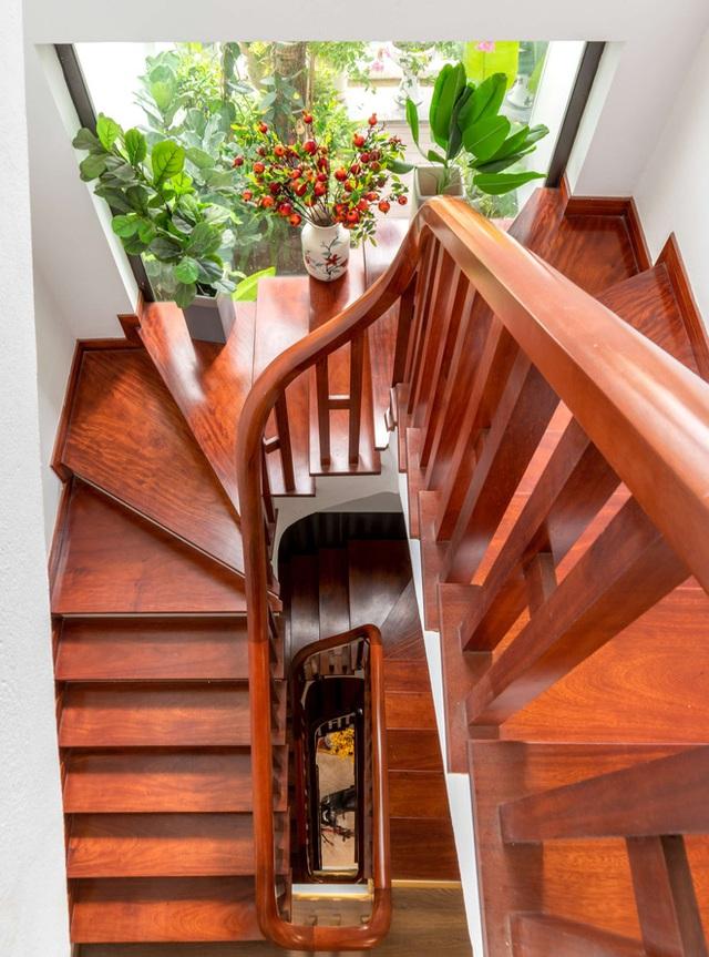 Căn nhà 5 tầng của vợ chồng Bát Tràng, thiết kế 3 ban công xanh nhưng vẫn đầu tư hẳn 400 triệu cho sân thượng 160m2  - Ảnh 38.