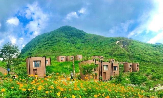 Hàng loạt ngôi nhà hình chiếc gùi độc đáo trên sườn núi Hà Giang, hóa ra từng đạt kỷ lục Việt Nam - Ảnh 7.