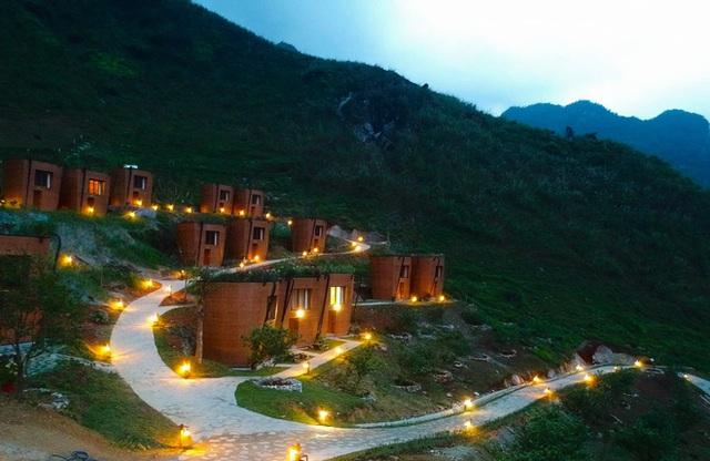 Hàng loạt ngôi nhà hình chiếc gùi độc đáo trên sườn núi Hà Giang, hóa ra từng đạt kỷ lục Việt Nam - Ảnh 8.