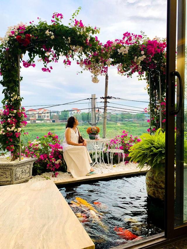 Căn nhà 5 tầng của vợ chồng Bát Tràng, thiết kế 3 ban công xanh nhưng vẫn đầu tư hẳn 400 triệu cho sân thượng 160m2  - Ảnh 10.
