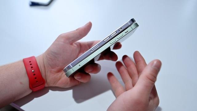 Ảnh chi tiết mô hình iPhone 13 - Ảnh 6.