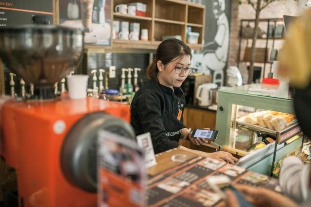 Chuỗi cafe năm Covid thứ nhất: Trung Nguyên và The Coffee House lỗ vượt trăm tỷ, lợi nhuận Highlands, Phúc Long bất ngờ tăng trưởng mạnh - Ảnh 2.