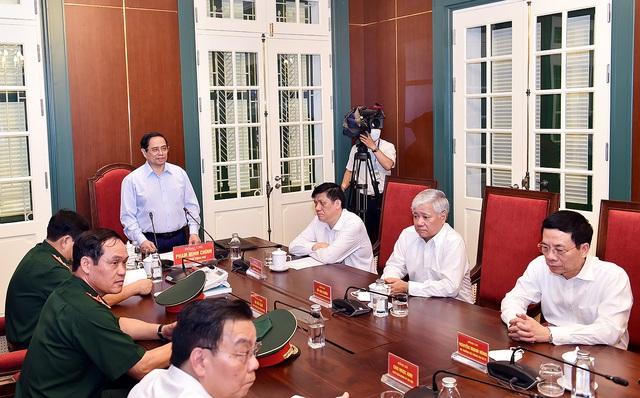 Thủ tướng phát động chiến dịch tiêm chủng lớn nhất lịch sử cho 75 triệu người dân Việt Nam - Ảnh 2.