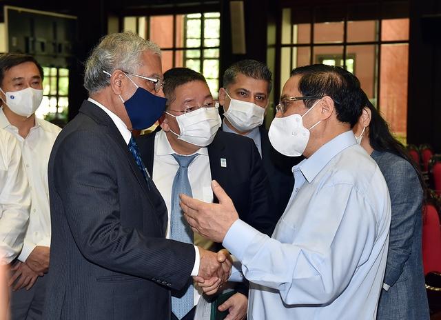 Thủ tướng phát động chiến dịch tiêm chủng lớn nhất lịch sử cho 75 triệu người dân Việt Nam - Ảnh 3.