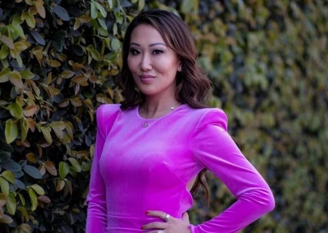 Bà mẹ 4 con Tiffany Moon: Từ đứa bé trong gia đình nghèo đến thành viên giới siêu giàu châu Á trên đất Mỹ  - Ảnh 2.