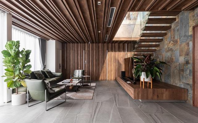 Vợ chồng trẻ thiết kế penthouse 300m2 đủ sân vườn, ao cá, hợp phong thủy trên tầng 30: Ngôi nhà đàng hoàng tức là không gian sống xanh, sạch, thoáng, phục vụ cho cuộc sống gia đình - Ảnh 3.