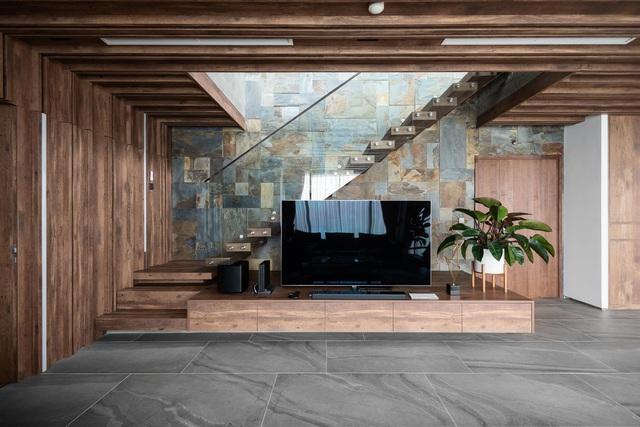 Vợ chồng trẻ thiết kế penthouse 300m2 đủ sân vườn, ao cá, hợp phong thủy trên tầng 30: Ngôi nhà đàng hoàng tức là không gian sống xanh, sạch, thoáng, phục vụ cho cuộc sống gia đình - Ảnh 5.
