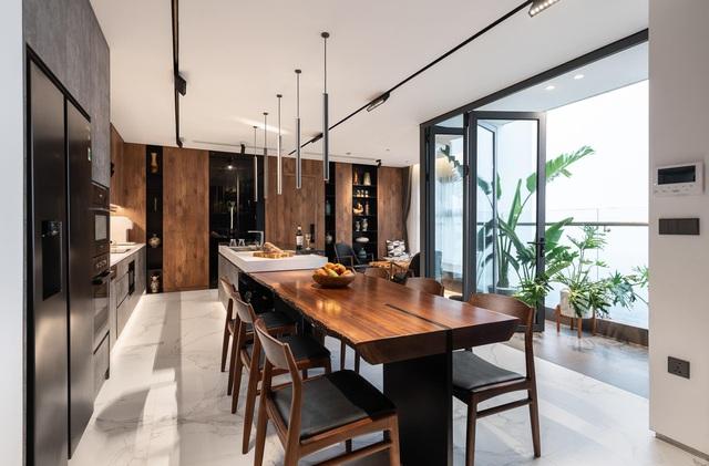 Vợ chồng trẻ thiết kế penthouse 300m2 đủ sân vườn, ao cá, hợp phong thủy trên tầng 30: Ngôi nhà đàng hoàng tức là không gian sống xanh, sạch, thoáng, phục vụ cho cuộc sống gia đình - Ảnh 7.