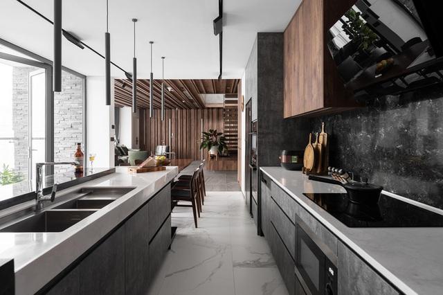 Vợ chồng trẻ thiết kế penthouse 300m2 đủ sân vườn, ao cá, hợp phong thủy trên tầng 30: Ngôi nhà đàng hoàng tức là không gian sống xanh, sạch, thoáng, phục vụ cho cuộc sống gia đình - Ảnh 9.