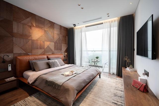 Vợ chồng trẻ thiết kế penthouse 300m2 đủ sân vườn, ao cá, hợp phong thủy trên tầng 30: Ngôi nhà đàng hoàng tức là không gian sống xanh, sạch, thoáng, phục vụ cho cuộc sống gia đình - Ảnh 12.