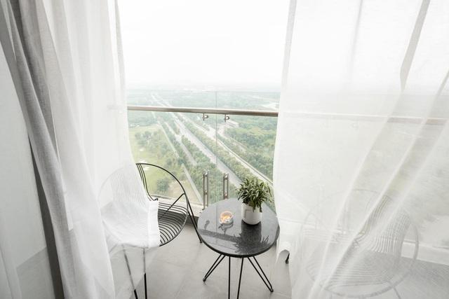 Vợ chồng trẻ thiết kế penthouse 300m2 đủ sân vườn, ao cá, hợp phong thủy trên tầng 30: Ngôi nhà đàng hoàng tức là không gian sống xanh, sạch, thoáng, phục vụ cho cuộc sống gia đình - Ảnh 13.