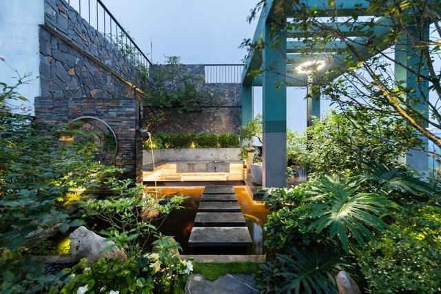 Vợ chồng trẻ thiết kế penthouse 300m2 đủ sân vườn, ao cá, hợp phong thủy trên tầng 30: Ngôi nhà đàng hoàng tức là không gian sống xanh, sạch, thoáng, phục vụ cho cuộc sống gia đình - Ảnh 18.