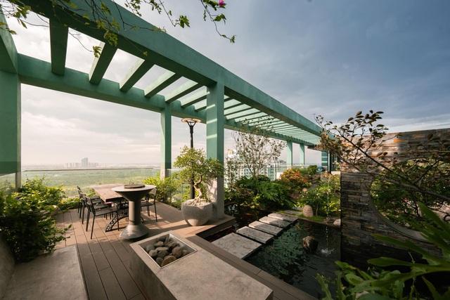 Vợ chồng trẻ thiết kế penthouse 300m2 đủ sân vườn, ao cá, hợp phong thủy trên tầng 30: Ngôi nhà đàng hoàng tức là không gian sống xanh, sạch, thoáng, phục vụ cho cuộc sống gia đình - Ảnh 23.