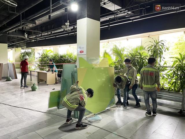 Toàn cảnh bên trong Thuận Kiều Plaza đang thi công chuyển đổi thành bệnh viện dã chiến 1.000 giường bệnh - Ảnh 13.